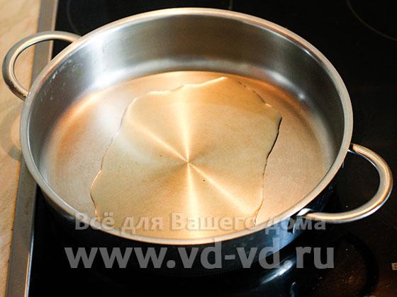 Сковорода с подсолнечным маслом