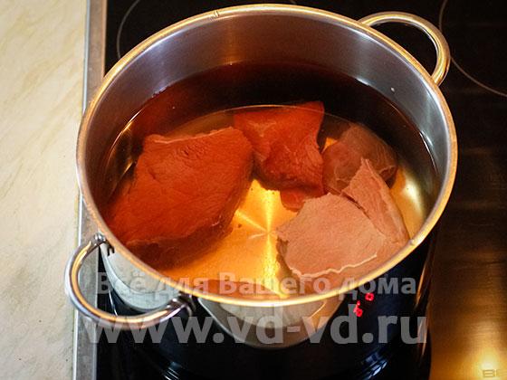 Мясо говядина отваривается