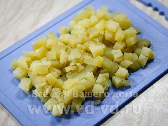 Картошка отвареная нарезаная