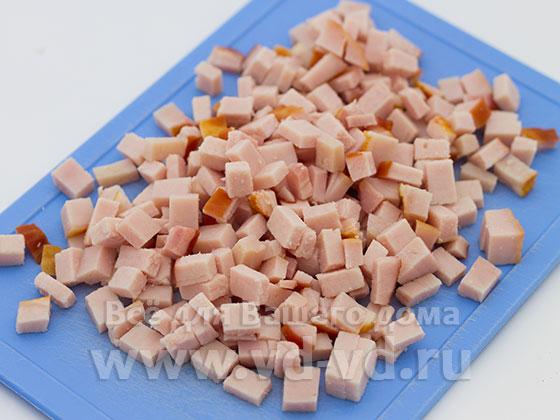 Карбонат нарезан кубиками