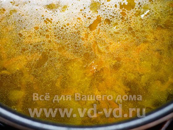 суп с фрикадельками в мультиварке готов