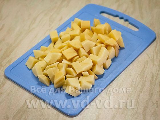 Картошка средне нарезанная